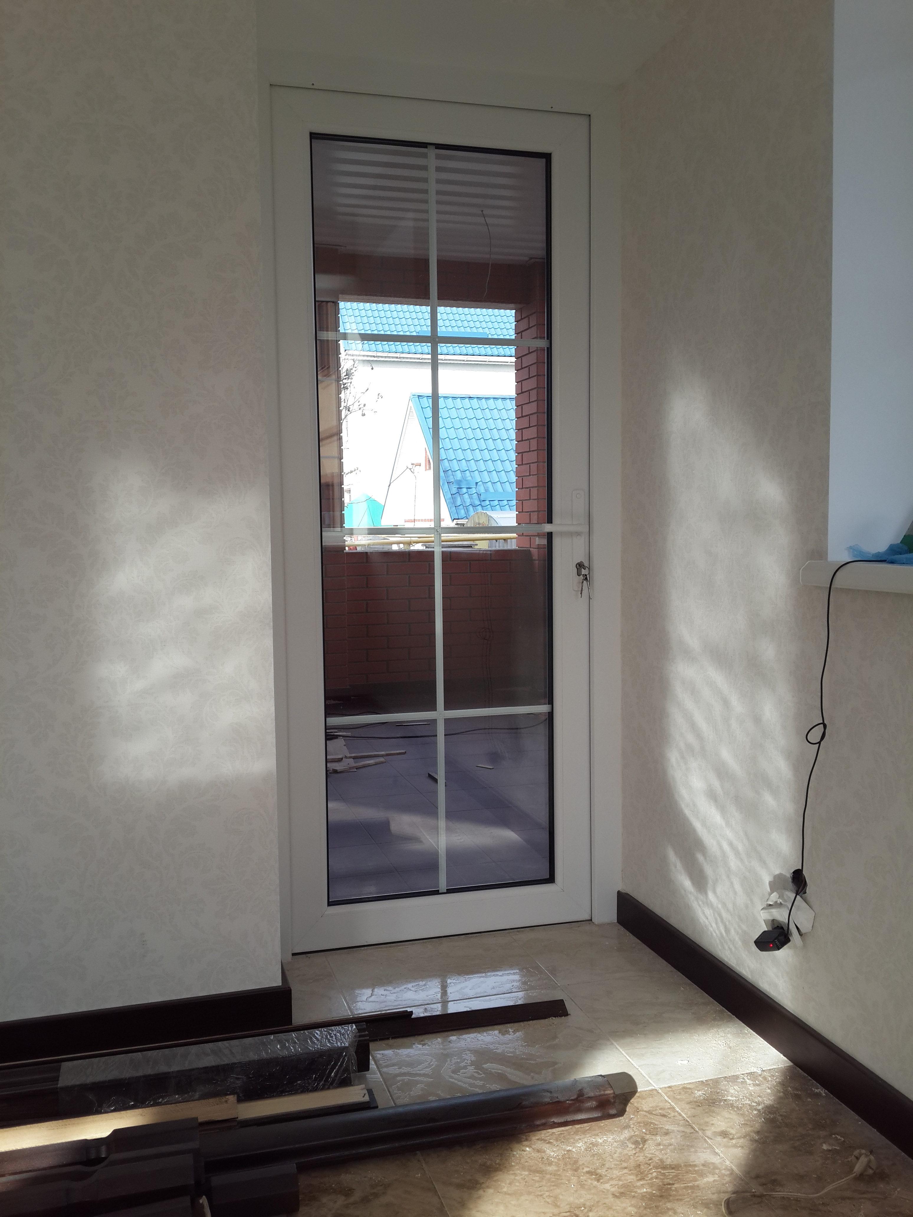 Двери Rehau со шпросами