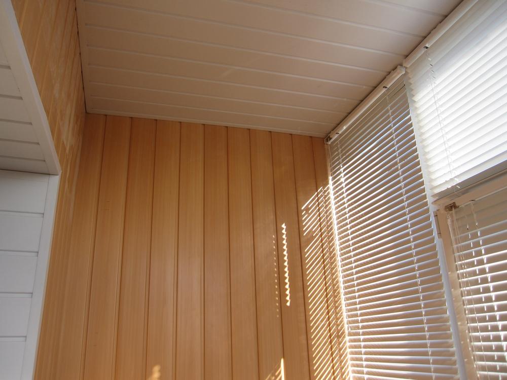 Обшивка балкона ПВХ вагонка Сумы